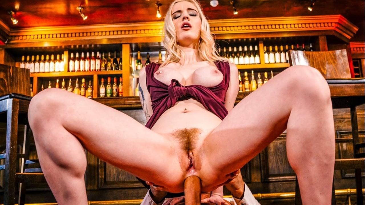 Порно с Carly Rae - скачать видео на телефон