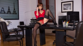 Tina Hot in 'Sexy Secretary Tina Goes down on the Boss'